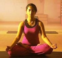 Foto Anushka Shetty sedang Yoga