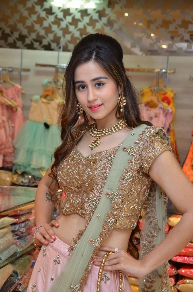 Simrath Juneja Stills At Splurge Divalicious Curtain Raiser Event