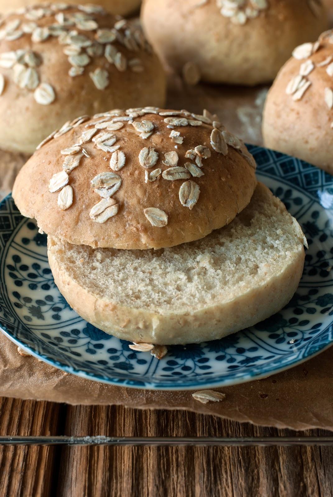 Bułki hamburgerowe pszenno-owsiane