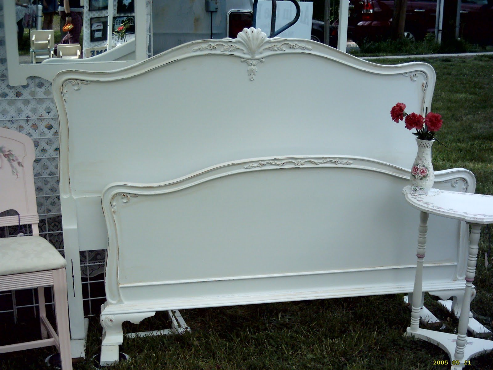 Full Size French Provincial White With Antiqued Edge