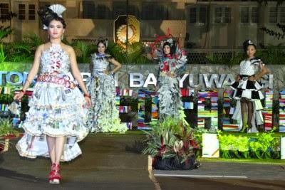 Green Recycle Fashion Parade Busana Dari Bahan Daur Ulang