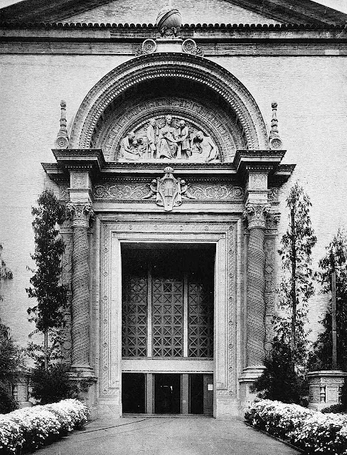 1915 pan pacific expo photo of giant doorway