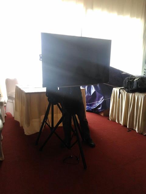 """HP. 0856-4020-3369 / Sewa TV 42"""" Untuk Event Pameran PRPP"""