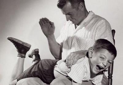 Coisas que os pais de antigamente faziam, mas não podem mais