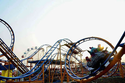 Spot Wahana Roller Coaster