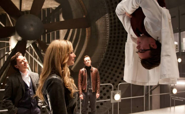 Jennifer Lawrence and Nicholas Hoult in X-Men