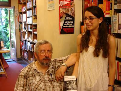 Le libraire Alain Gilhodes et sa fille Jeanne