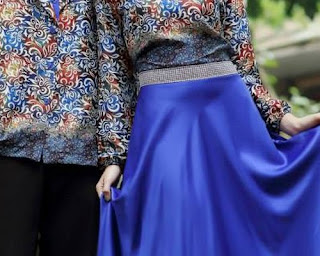 model baju couple pesta terbaru