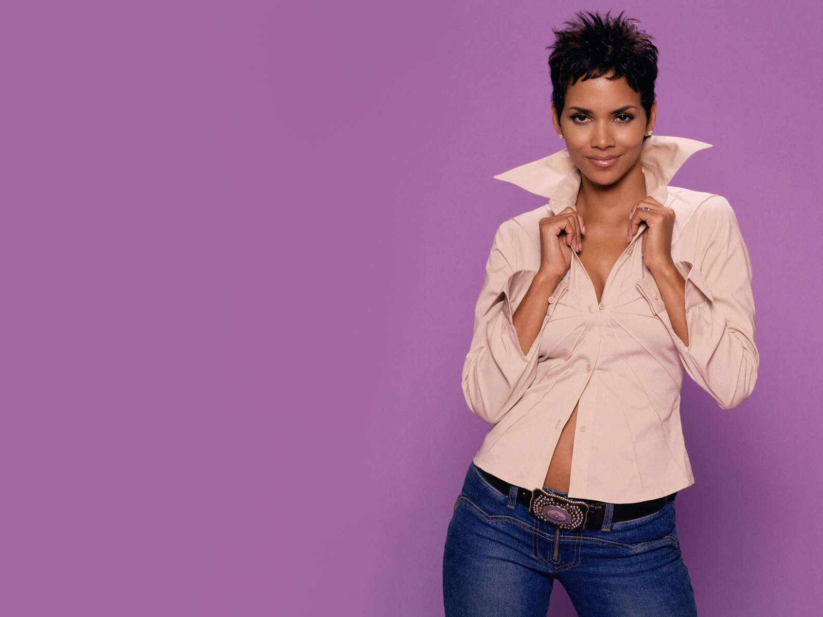 All Hot Fun Halle Berry Wallpapers-1633