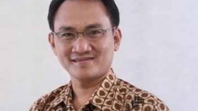 Andi Arief Bandingkan Koalisi Demokrat-PAN-PKS dan Demokrat-Golkar