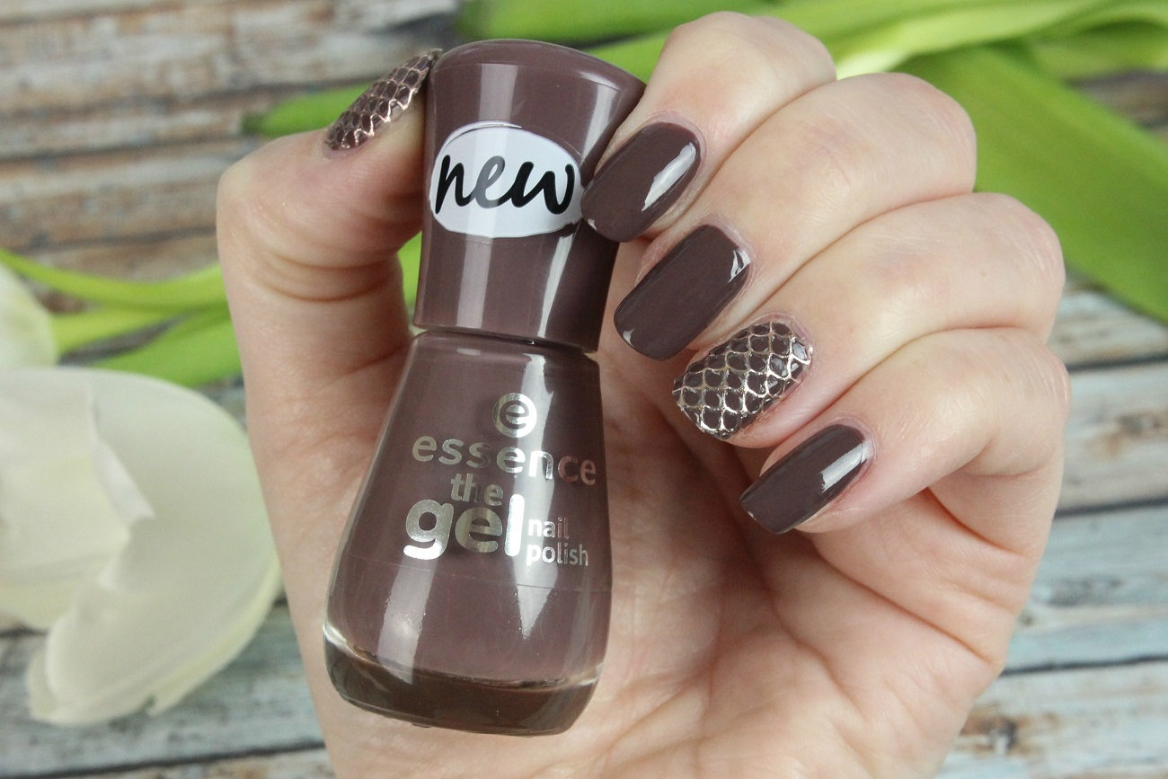 jewelry, essence, nagelsticker, nail sticker, edel, nagellack, nailpolish, free hugs, swatches, tragebilder, review, nageldesign, nailart, neues sortiment, trendfarbe, 2016, cosmetics, drogerie, the gel nail polish,