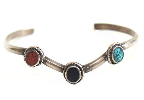 http://nuts-smith.biz/et-jewelry-bracelet-28-navajo-3stone