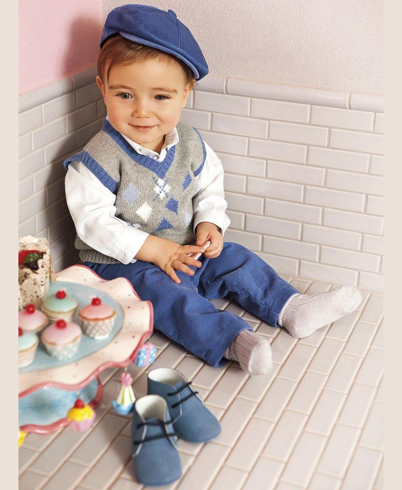 Encuentra toda la ropa de bebé y recien nacido para que tu hijo se sienta cómodo. Infómate sobre moda para bebés, conoce las prendas y compra ropita de bebé.