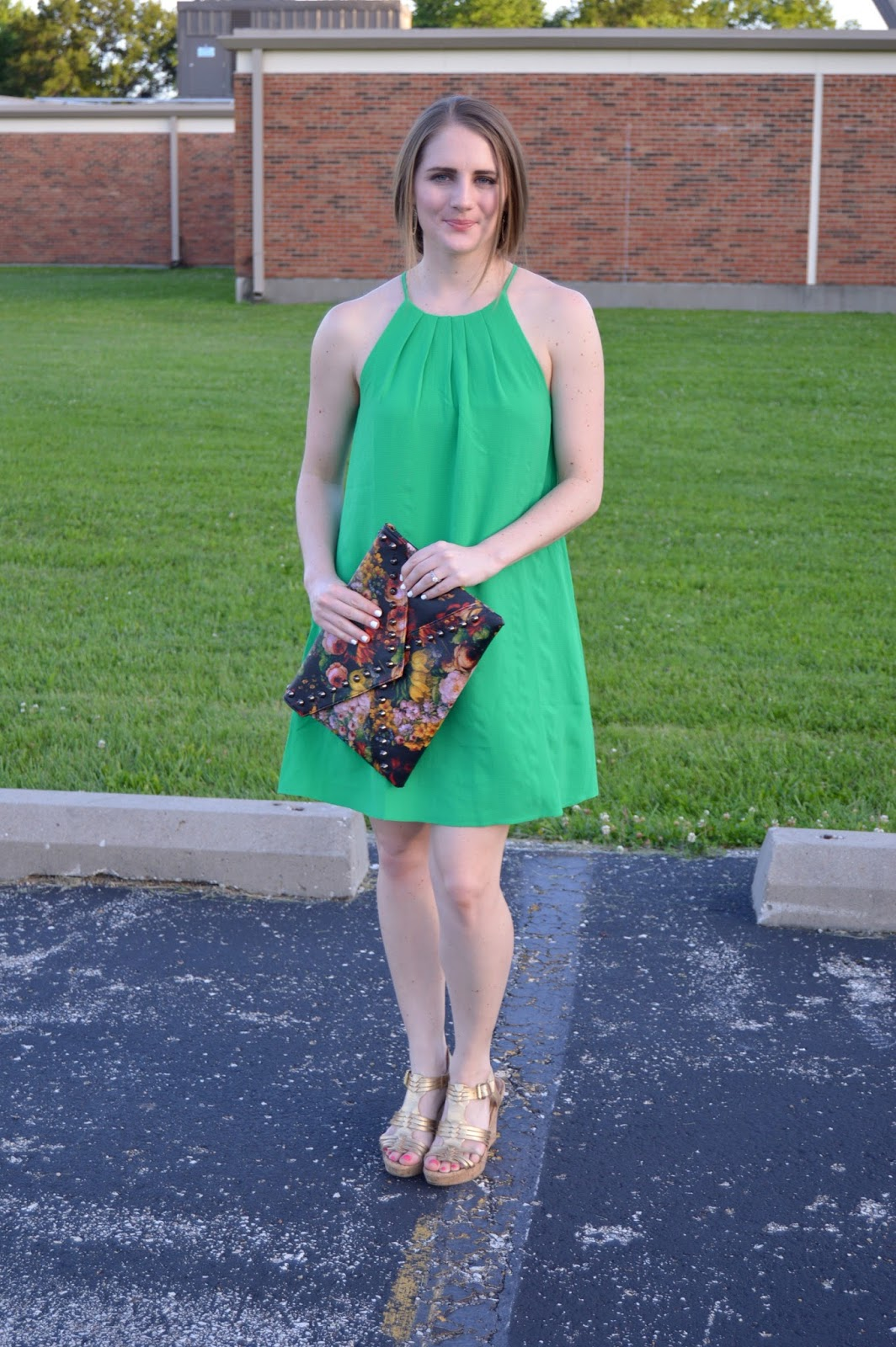 what to pair with a green dress | what to wear to a wedding | summer outfit ideas | mint julep boutique review | a memory of us | what to wear to a wedding this summer |