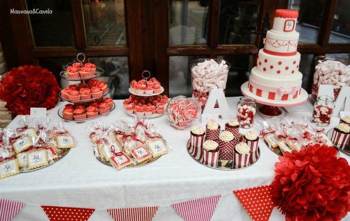 Manzana canela tarta y mesa dulce para una boda en blanco for Mesas dulces para bodas