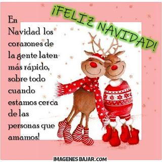 Imágenes de Feliz Navidad para desear Felices Fiestas Bonita tarjeta con adornos navideños, renos y frase