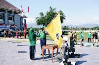 Mulai Diarak Keliling, Wagub Serahkan Bendera Pataka NTB ke Pemkab Bima