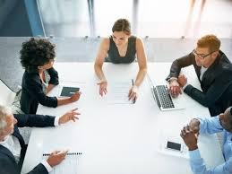 bom líder em reunião