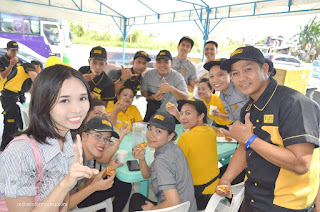 Yellow Cab staff at General Trias Cavite