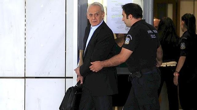 Στη φυλακή επιστρέφει ο Άκης Τσοχατζόπουλος (βίντεο)