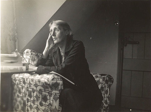 Virginia_Woolf_at_Monk's_house- wikimedia