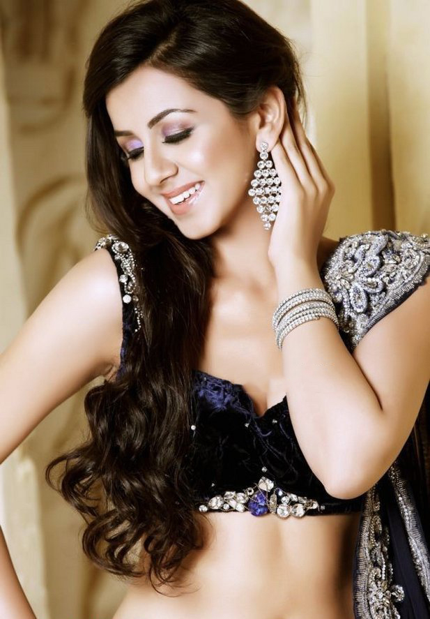 Actress Nikki Galrani New Spicy Stills