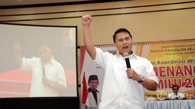 Mardani Ali Sera Kaitkan Spanduk 'Jalan Tol Jokowi' dengan Pernyataan Ditjen Pajak