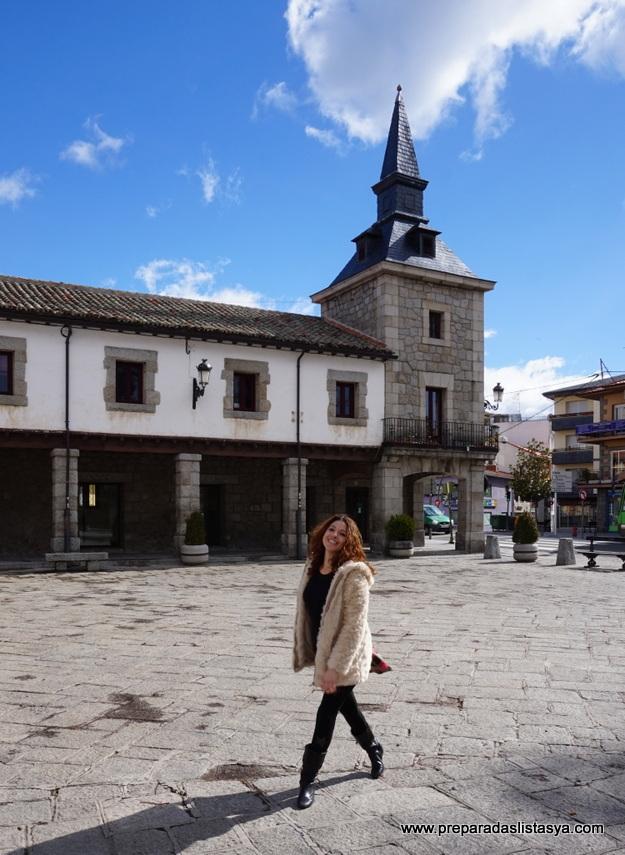 Plaza principal pueblo Guadarrama