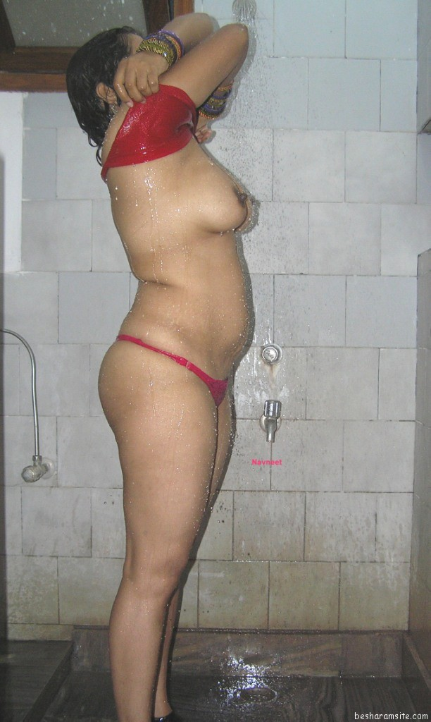 telugu-aunties-nude-in-bathroom-sex