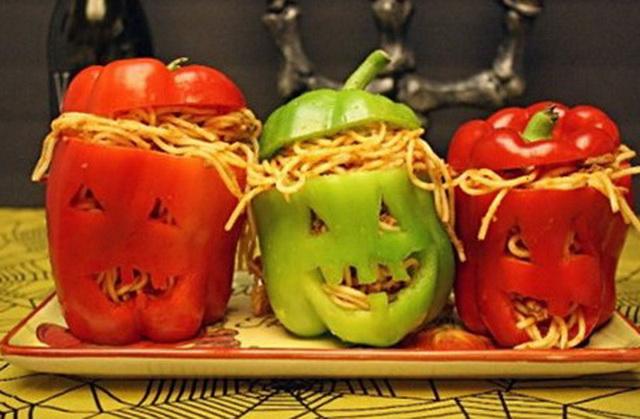 Крецепты на Хэллоуин, Halloween, All Hallows' Eve, All Saints' Eve, закуски на Хэллоуин, салаты на Хэллоуин, декор блюд на Хэллоуин, оформление Хэллоуинских блюд, праздничный стол на Хэллоуин, угощение для гостей на Хэллоуин, кухня монстров, кухня ведьмы, еда на Хэллоуин, рецепты на Хллоуин, блюда на Хэллоуин, оладьи, оладьи из тыквы, тыква, праздничный стол на Хэллоуин, рецепты, рецепты кулинарные, рецепты праздничные, оладьи, тыквенные блюда, блюда из тыквы, как приготовить тыкву, Хэллоуин, на Хэллоуин, из тыквы, что приготовить на Хэллоуин, страшные блюда, блюда-монстры, 31 октября, праздники осенние, ошмарное меню на Хэллоуин или Кухня ведьмы (выпечка), Хэллоуин, блюда на Хэллоуин, рецепты на Хэллоуин, праздничные блюда, оформление блюд на Хэллоуин, праздничный стол на Хэллоуин, блюда-монстры, меренги, безе, сладости, сладости на Хэллоуин, десерты на Хэллоуин, блюда мз яиц, блюда из белков, печенье на Хэллоуин, торты на Хэллоуин, закуски на Хэллоуин, салаты на Хэллоуин, на Хэллоуин, рецепты салатов, рецепты закусок, Страшные и вкусные угощения для Хэллоуина (закуски, салаты, горячее) http://prazdnichnymir.ru/
