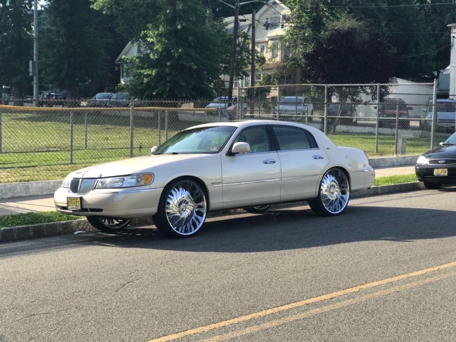 Daily Turismo Son Of A Donk 1998 Lincoln Town Car Cartier