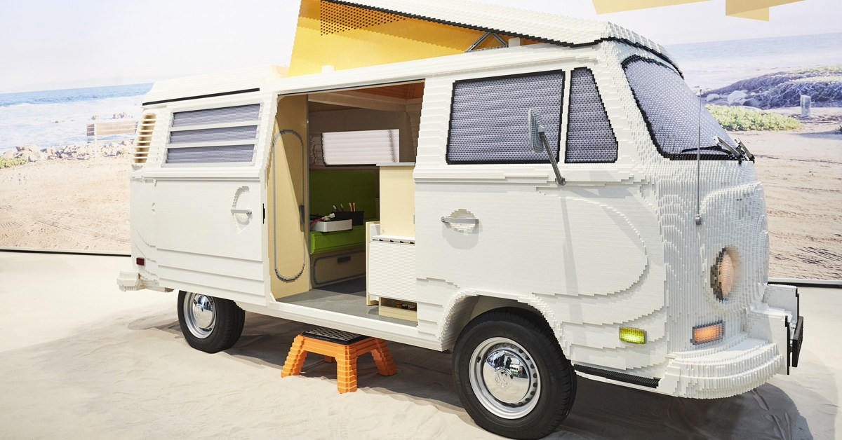 400,000 LEGO Were Used To Build A Full-Size Volkswagen Camper With A Retro Interior