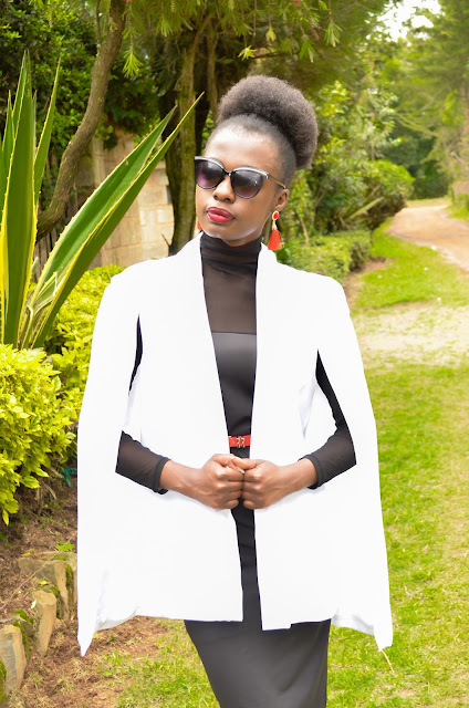 Howto style a white cape