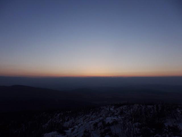 Wschód słońca ze szlaku na Babią Górę, marzec 2016.