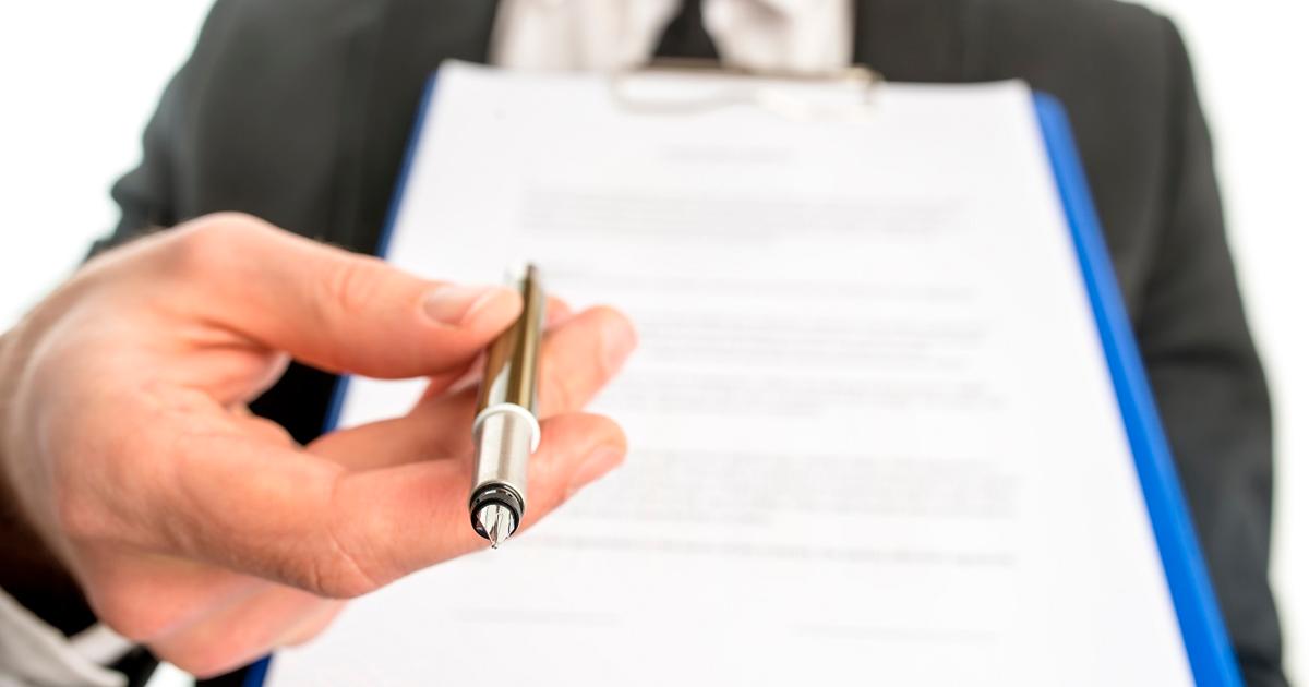 A empresa pode demitir o funcionário temporário antes do fim do contrato?