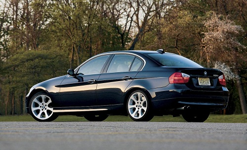 bmw 330 photos prices specification review. Black Bedroom Furniture Sets. Home Design Ideas