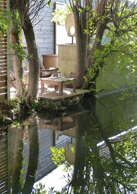 Ein geschütztes Plätzchen direkt am Wasser - ist es nicht romantisch?
