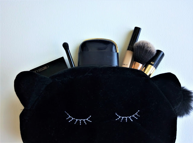 What's On My Makeup Bag?