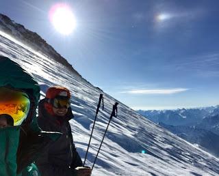 Janiina ja Heikki Elbrusin rinteellä