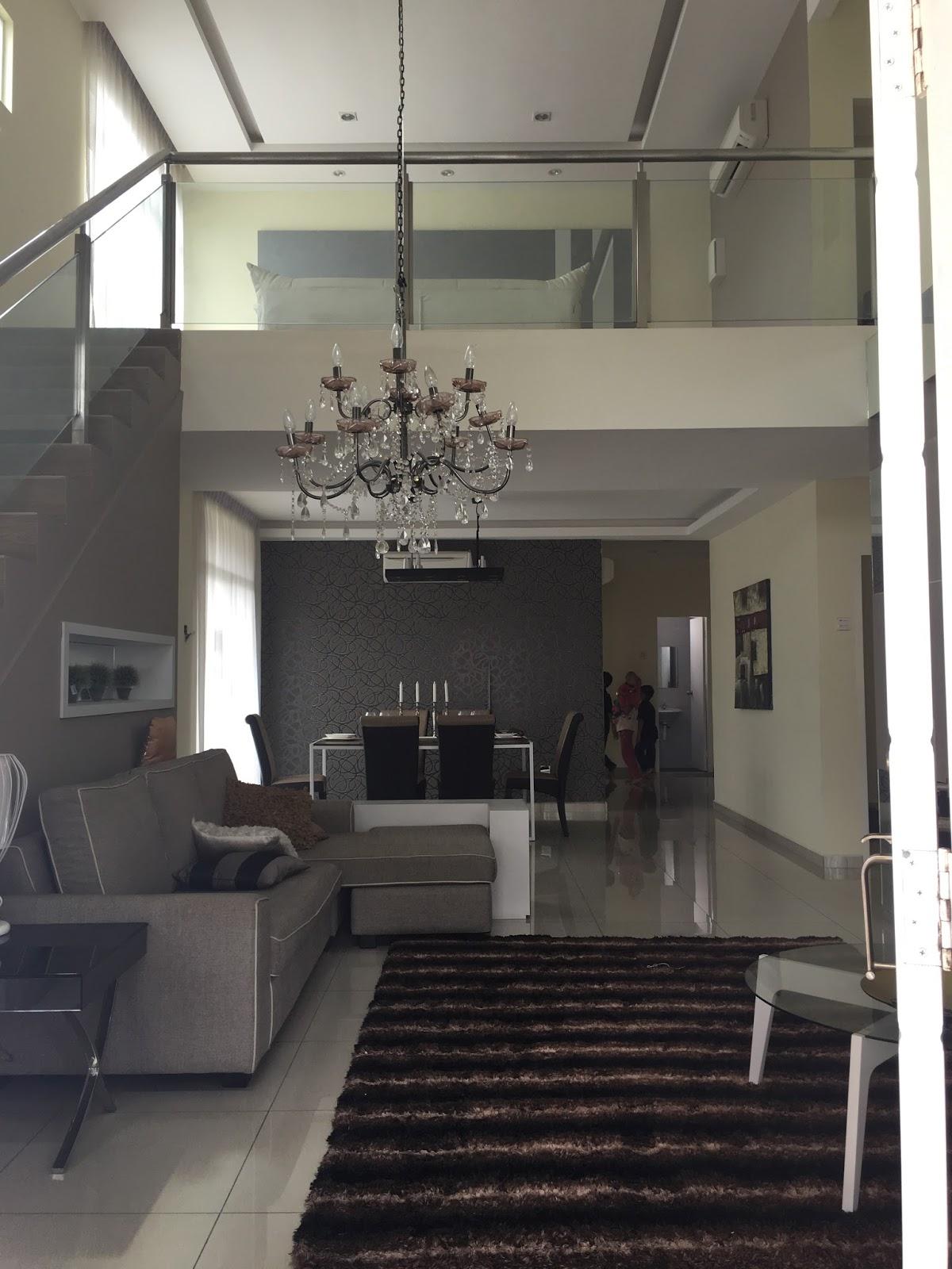 Ruang Tamu Keluarga Atas Lebih Berciri Terbuka Rumah Asal Tangga Adalah Besi Tapi Untuk Contoh Nie Dah Reno Buat Gl