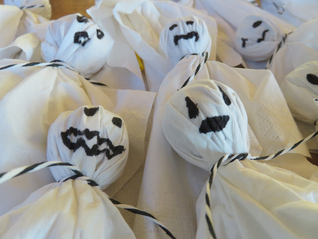 Geister-Lollis zu Halloween