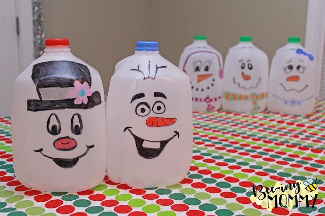 Milk Jug Snowmen, DIY Milk Jug Snowmen, recycled milk jug, repurposed milk jug, recycled craft, repurposed craft, DIY milk jug craft, holiday decor, holiday decoration, easy holiday decoration, easy holiday decor, easy Christmas decoration, easy Christmas decor, easy snowman, easy snowmen, snowmen, snowmen decor, snowman decor, milk jug crafts, sharpie, sharpie crafts, outdoor holiday decor, outdoor Christmas decor, Frosty, Olaf, Frosty decor, Olaf decor, party planning, Do it yourself, Christmas craft, children activity, sharpie snowmen, sharpie snowman, free decorations, free Christmas decorations, cute Christmas decoration, Free, free decor, free snowman, plastic crafts, plastic snowmen, simple craft, simple Christmas decoration, free Christmas decoration