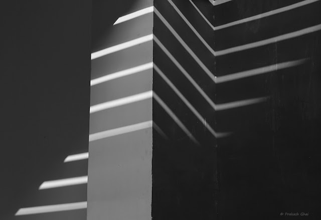 Two Black and White Line Pattern Minimalism Images shot via Canon 600D at Jawahar Kala Kendra Jaipur.