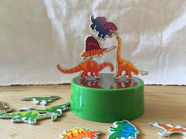 Spielzeug Dino