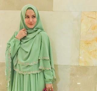 Tips Memakai Jilbab Sesuai untuk Wajah Lonjong