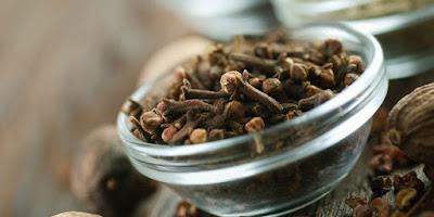 7 Obat Sakit Tenggorokan Saat Menelan Ampuh Dengan Herbal Tradisional