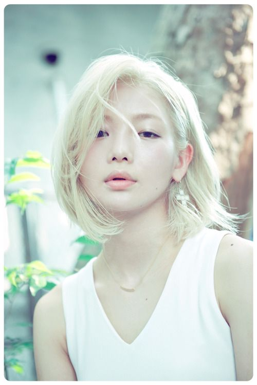 unconscious thoughts - I've never seen an Asian woman with such light blonde hair, but it is absolutely gorgeous on her! It's almost magical, fairy-like!