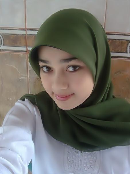 Hasil gambar untuk Gadis Jilbab Cantik