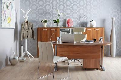 irodai konténer, irodai szekrény, asztal, forgófotel, főnöki szék