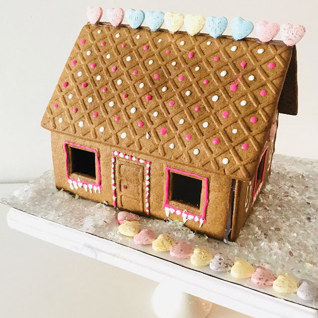 DIY Puff Paint Gingerbread House Tutorial | Linzer Lane Blog